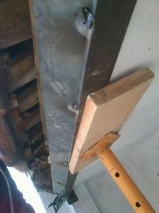 Apuntalamiento preventivo para montaje de refuerzo estructural.