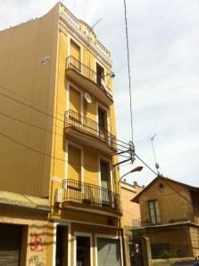 Foto final de la rehabilitación integral de un edificio en Badalona.