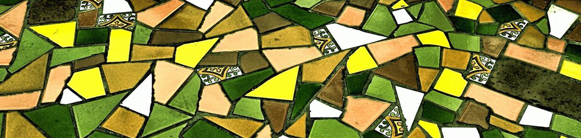 Mosaico De Piezas Cerámicas Irregulares